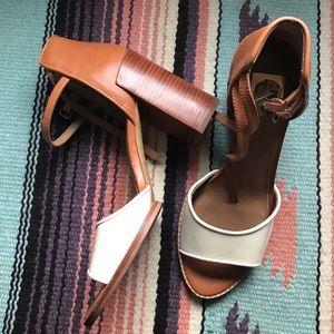 Dolce Vida DV two tone chunky heel sandal sz 11